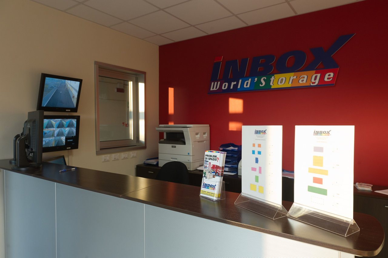 InBox Storage - Risolve i problemi di spazio - Reception Bologna